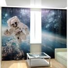Фотошторы Астронавт в открытом космосе